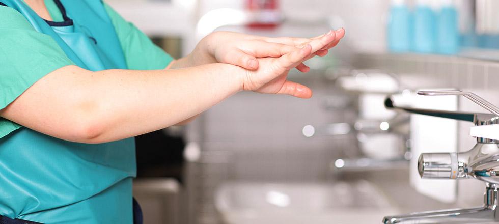 bezdotyková dezinfekcia rúk